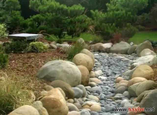 旱溪景观的做法